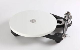 REGA Planar 10 mit P10 PSU Netzteil mit Rega Apheta 3 MC Tonabnehmer